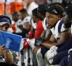 Microsoft Defends NFL Surface Tablets After Patriots Stop Using Them